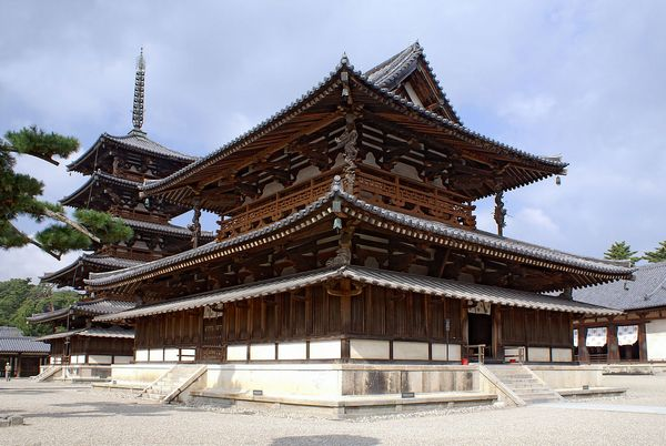 12法隆寺地域の仏教建造物
